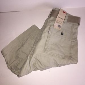 New Men's Levi's Cargo Shorts | 34